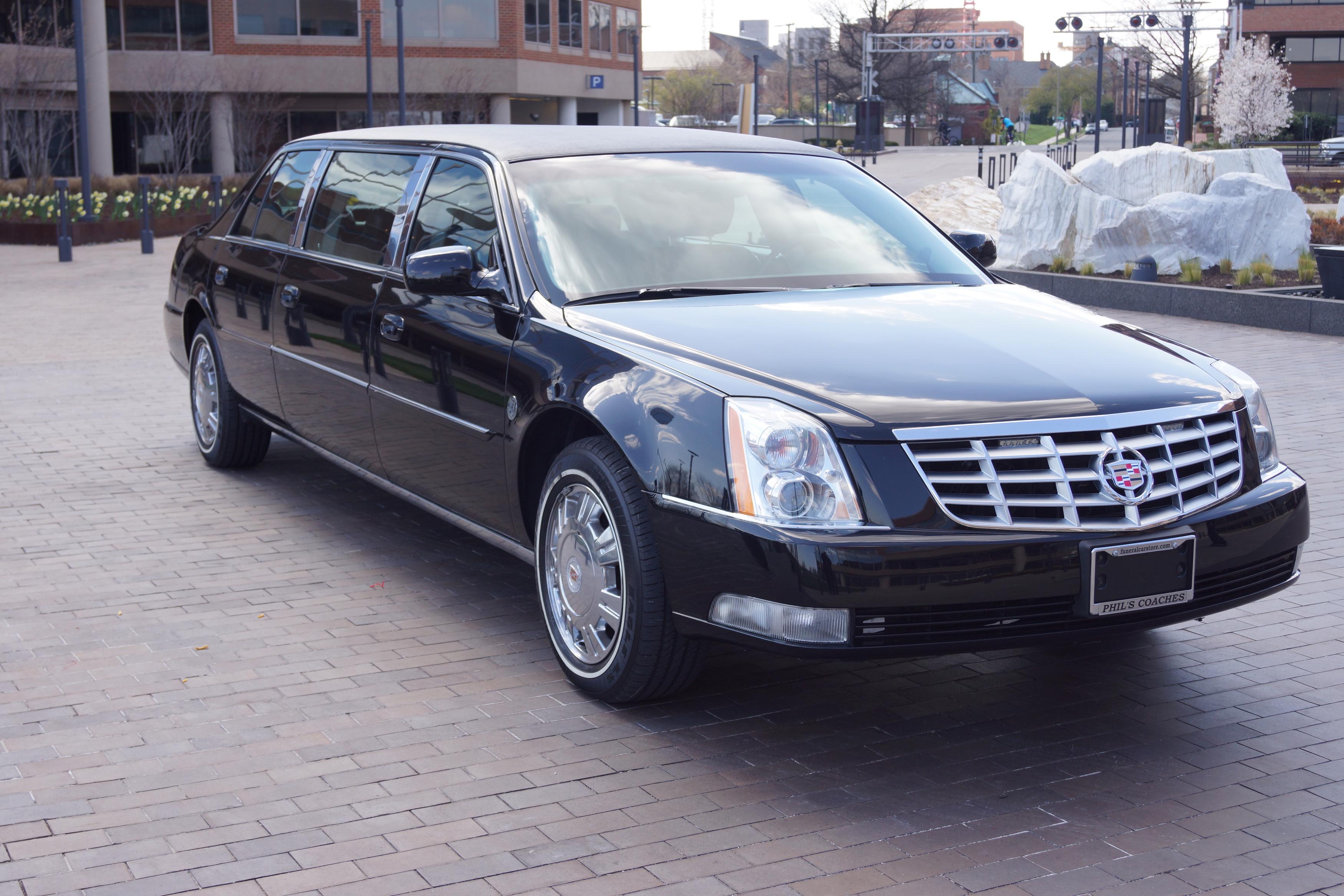 interior cadillac dts reviews photos price sedan features