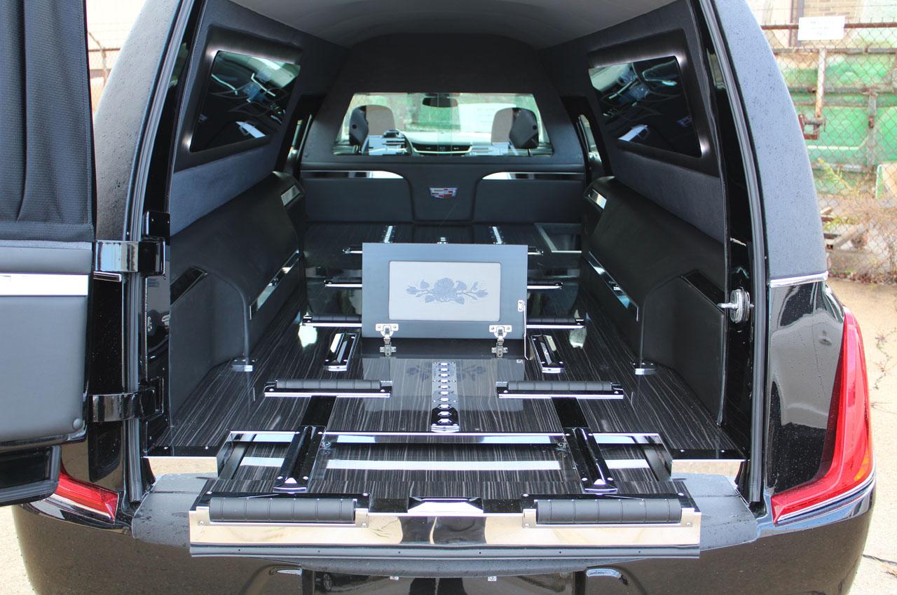 2018-Federal-Coach-Company-Cadillac-XTS-Heritage-14
