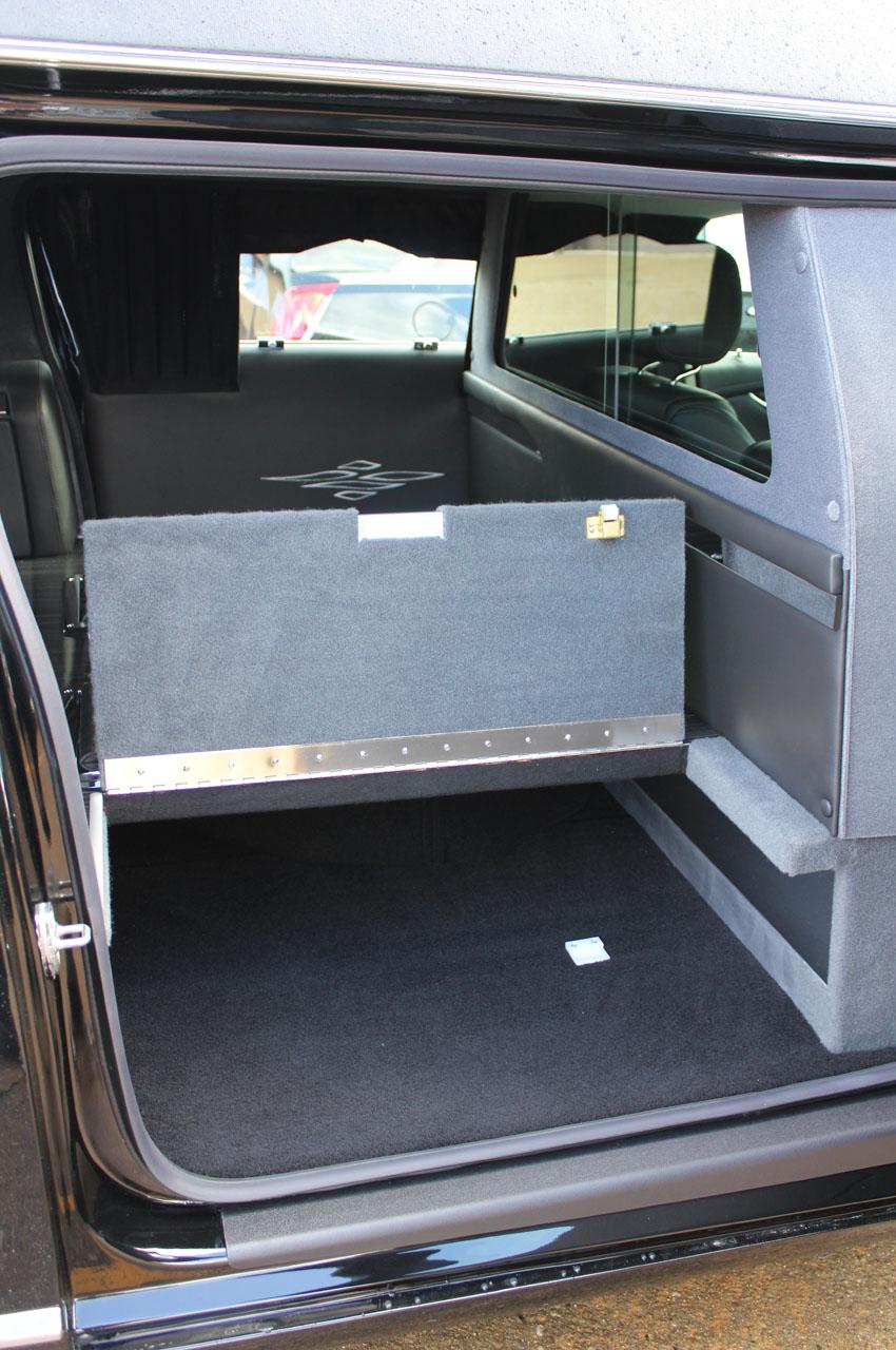 2018-Federal-Coach-Company-Cadillac-XTS-Heritage-18