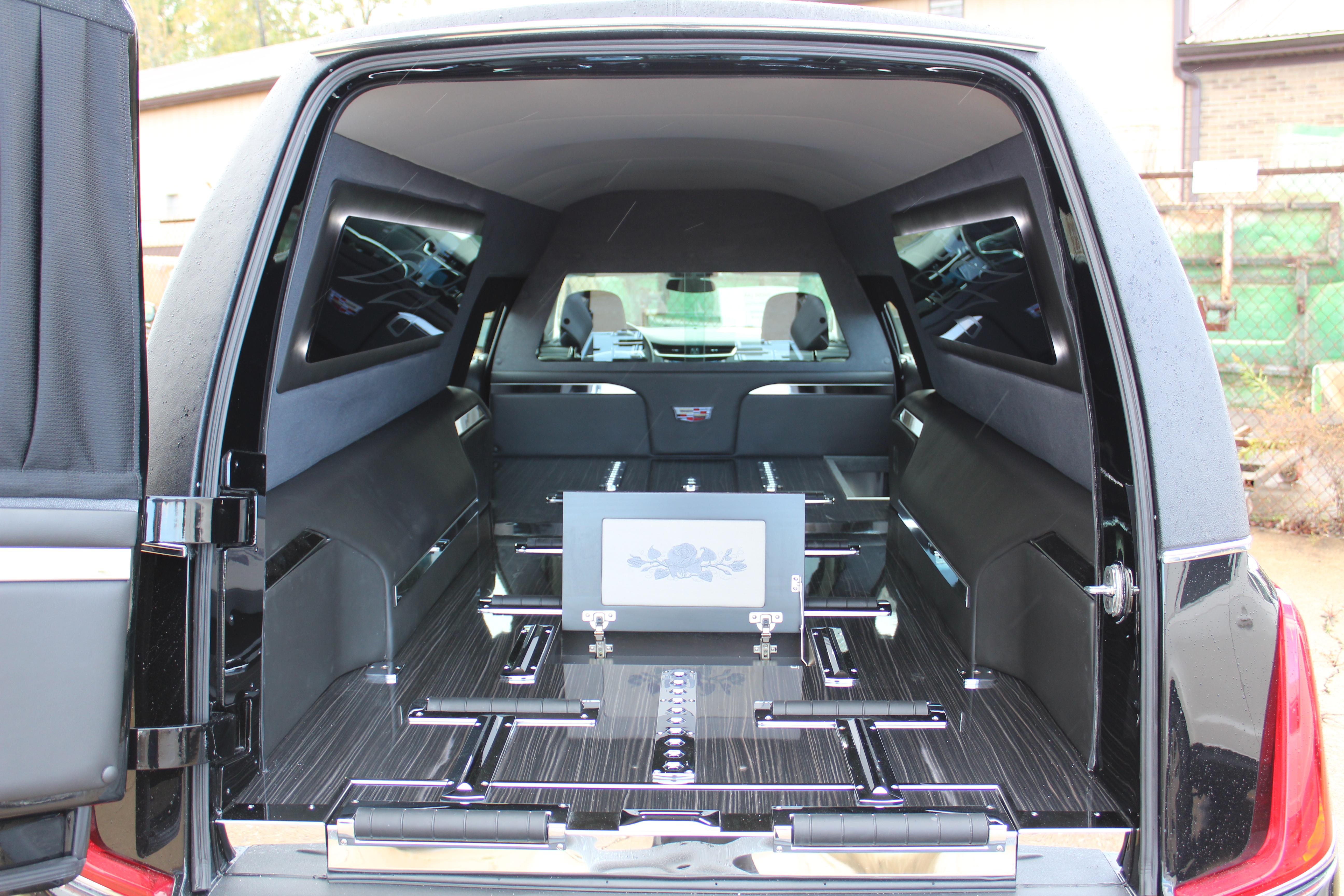 2018-Federal-Coach-Company-Cadillac-XTS-Heritage-8